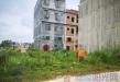68万两地皮,凤凰新城,宽长14米x10.5米,能办证。 电话:13877712229张妹